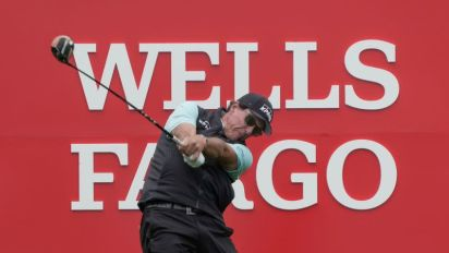 Phil Mickelson loses focus in rough round at Wells Fargo