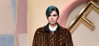 Kendall Jenner se pinta el pelo de verde; mira su nuevo look