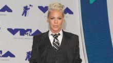 Christina Aguilera trató de golpear a Pink durante una fiesta a principios de la década de los 2000