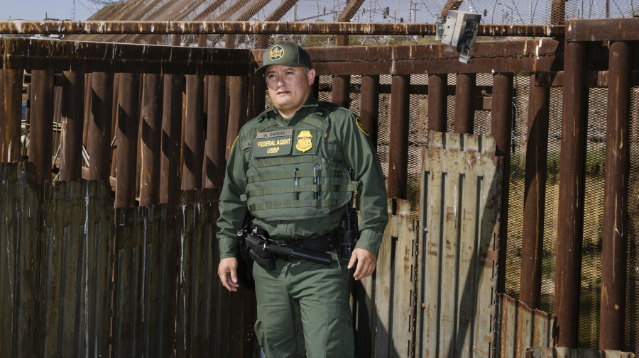 Once-invisible Border Patrol faces morale crisis