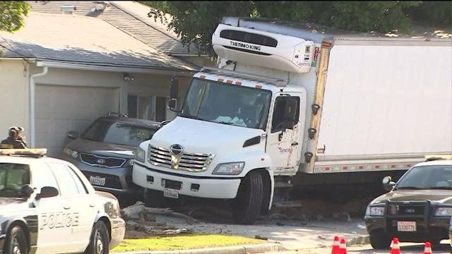 Driver of Stolen 7-Eleven Delivery Truck Shot by Police