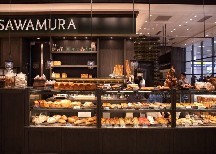 早上7點,櫥窗內就擺滿了各種現烤的美味麵包