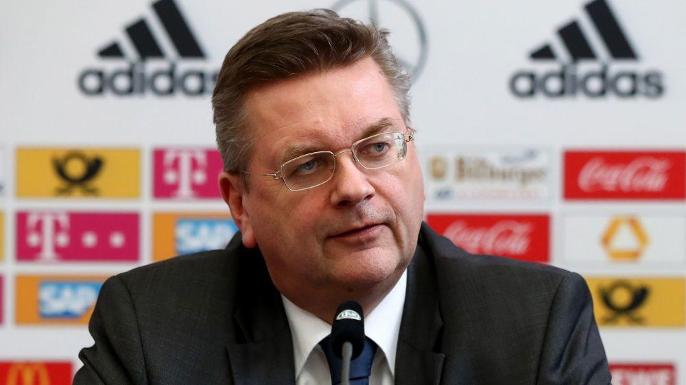DFB-Präsident Grindel besucht Dortmund-Spiel