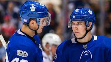 Maple Leafs' Marner, Gardiner gush about Tyler Bozak