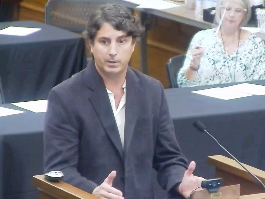 Chad Smith, owner of Alcove International Tavern and co-owner of Loosa Brews, speaks during Tuesday's regular meeting of the Tuscaloosa City Council.