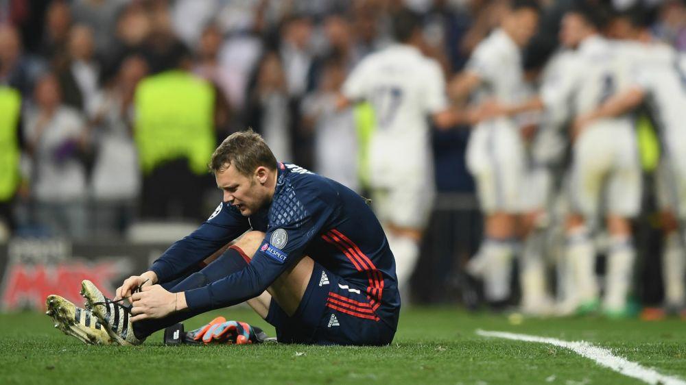 Manuel Neuer, con fractura en el pie