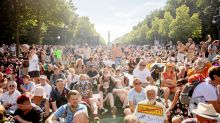 Infektionsschutz: Berlin verbietet Corona-Demonstrationen - Klage angekündigt