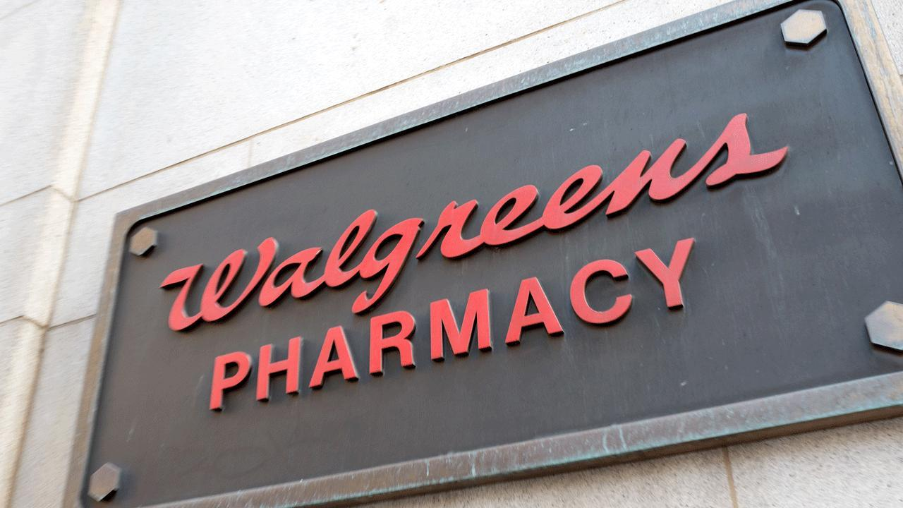 Walgreens Stock Quote Rite Aid Blames Walgreens Deal Drama For Poor Performance