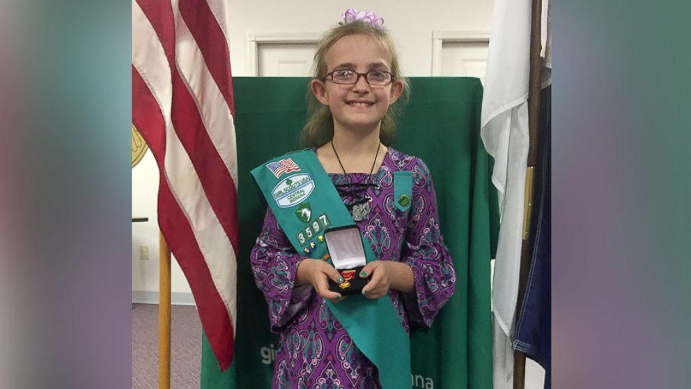 9 year old girl scout honored for saving mom from overturned car. Black Bedroom Furniture Sets. Home Design Ideas