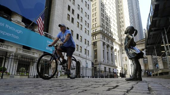 Stocks sink, Dow heads for fifth straight day of losses