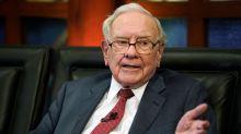 Warren Buffett thoroughly explains why Elon Musk's foray into insurance will fail