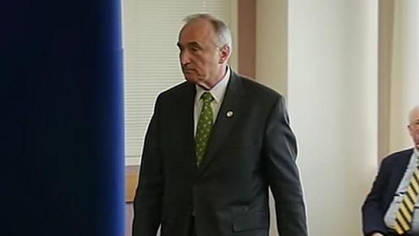 Bratton says he's the man for the job
