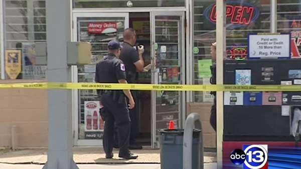 Police: Baytown store clerk shoots would-be robber