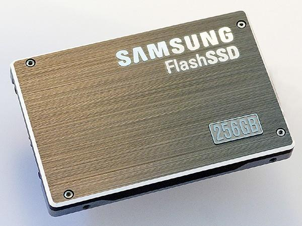Samsung's awe-inspiring 256GB SSD now available, still unpriced