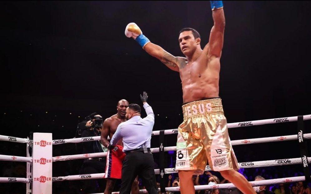 Evander Holyfield frustrated with stoppage vs. Vitor Belfort: 'It was a bad call' - Yahoo Sports