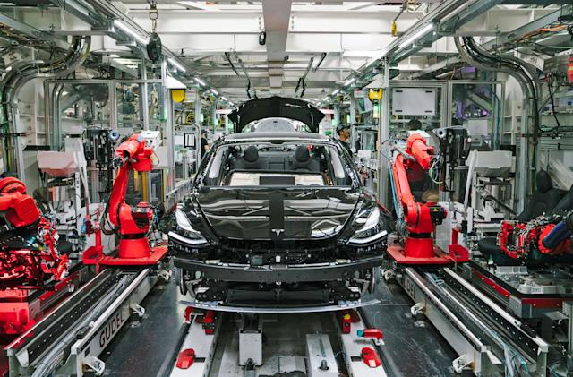 Elon Musk restarts Tesla production in defiance of county lockdown (updated)