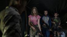 Nacionalistas preparan a los chicos para matar en Ucrania