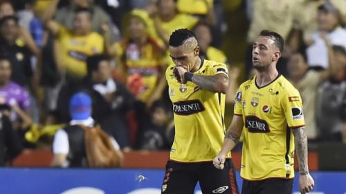 Equipe de jogador da Seleção observa adversário do Santos na Libertadores