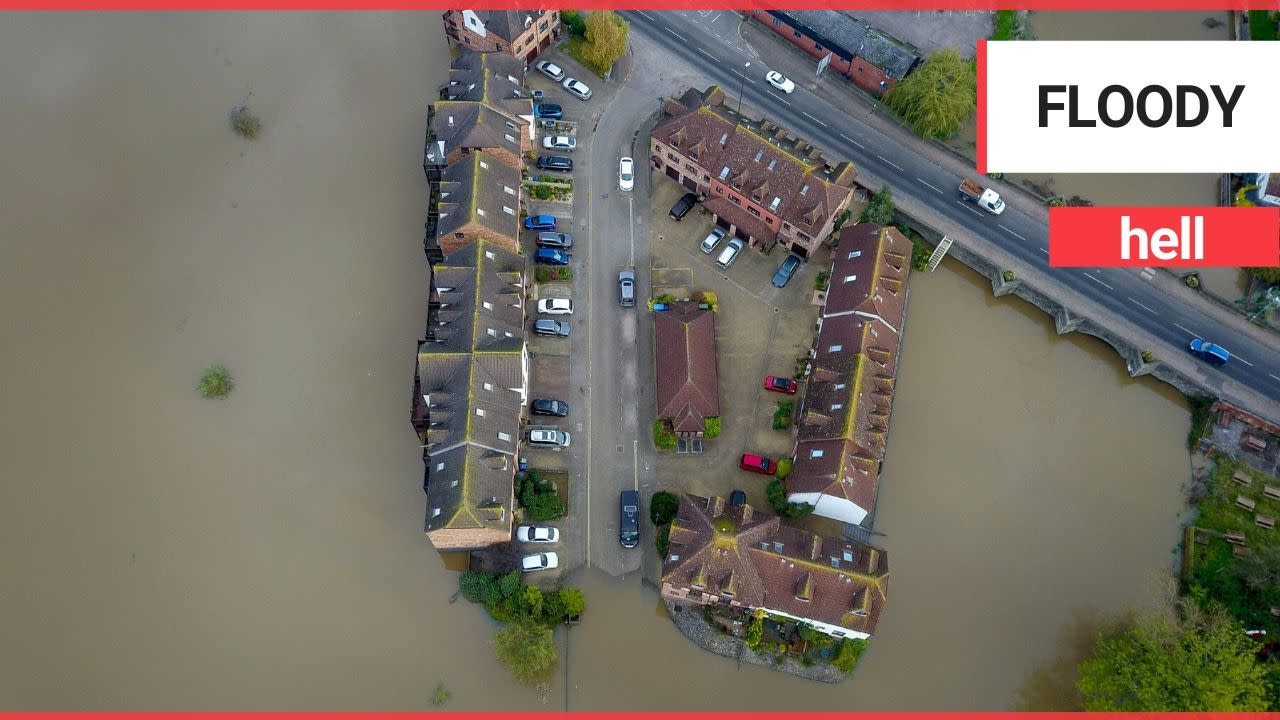 Shocking aerial footage show scene of large scale flooding ...