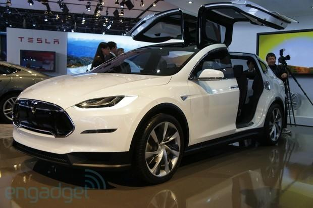 Tesla hires former Segway, Apple hardware engineering lead to develop new cars