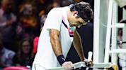 Federer to face Dimitrov in Rotterdam final