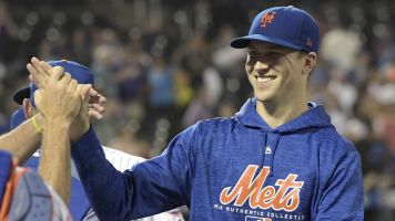 deGrom overcomes Mets' misery for Cy Young