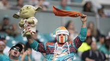 Dolphins announce they will allow in limited number of fans with masks for home opener