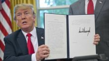 Trump signs executive order addressing migrant family separation at border