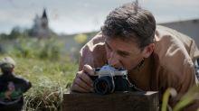 Steve Carell vive história de superação em 'Bem-vindos a Marwen'. Assista ao trailer
