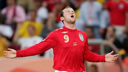 Rooney calls time on his England career