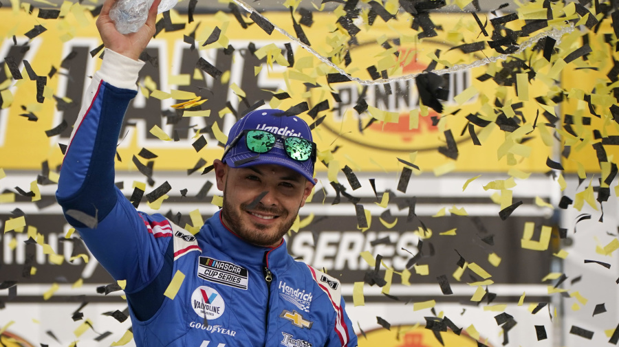 Larson wins in 4th race since reinstatement