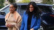 Meghan Markle junto a su mamá en actividad oficial