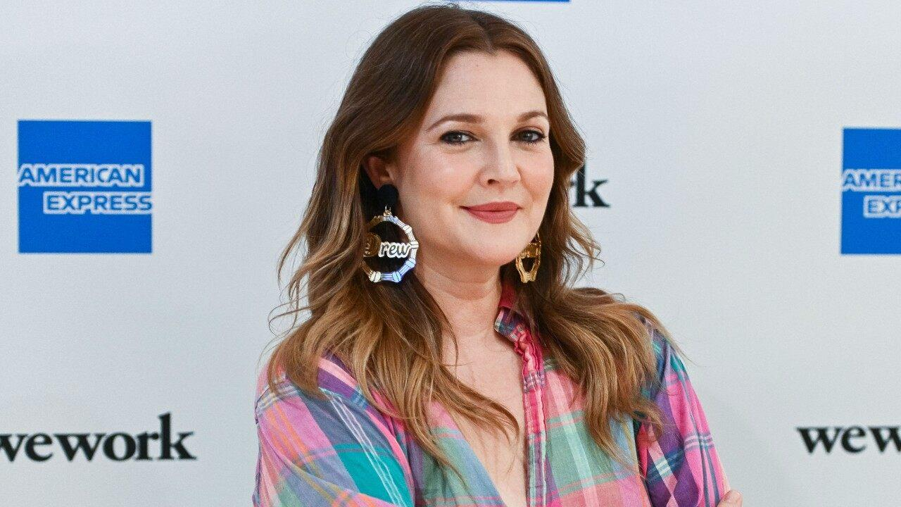 New Fall Shows 2020.Drew Barrymore S New Cbs Talk Show Picked Up For Fall 2020