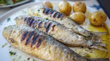 Eating oily fish linked to reduced risk of heart attacks and strokes