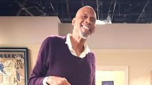 Melissa Rauch Is Actually In This Photo With Kareem Abdul-Jabbar
