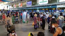Vietnam airlifts 80,000 tourists as coronavirus hits city