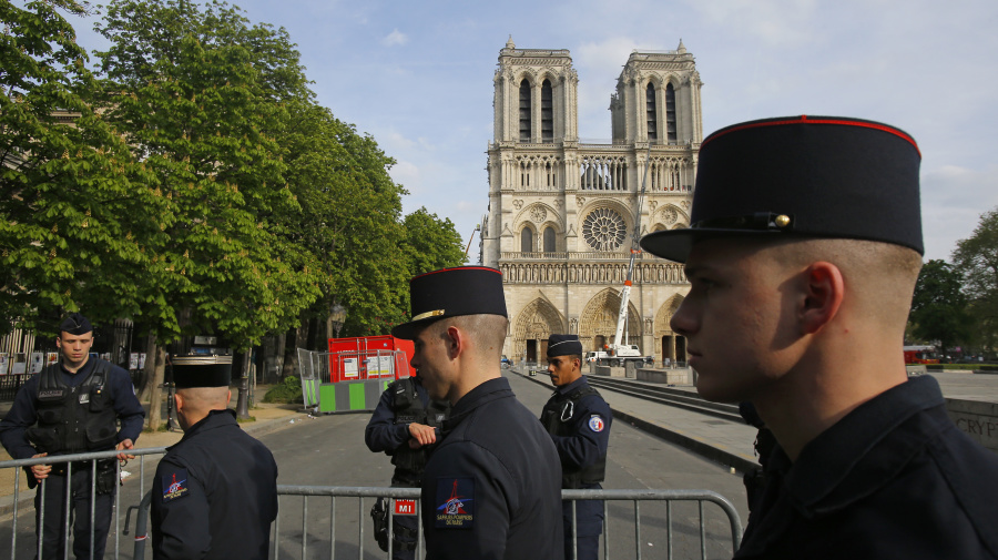 Police: Short circuit likely caused Notre Dame fire