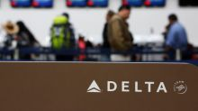 Delta Air says tax cut would buy new planes, pay down debt