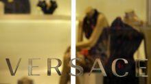 Michael Kors tomará el control de empresa italiana Versace