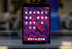 Apple's 10.2-inch iPad returns to a record low of $299 at Amazon