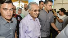Dr M wants greater community development at neighbourhood level