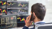 Should You Buy Deere (DE) Stock Ahead of Earnings?