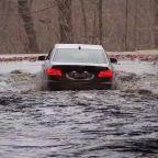 Heavy rain causes flooding in Philadelphia