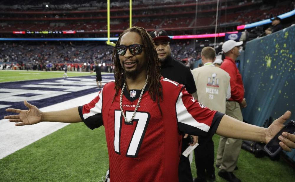 Lil Jon at Super Bowl 51 between his hometown Atlanta Falcons and the New England Patriots. (AP Photo/Chuck Burton)