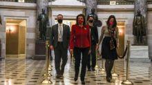 Etats-Unis : les démocrates ont déposé l'acte d'accusation de Donald Trump dans un Capitole encore meurtri par les violences