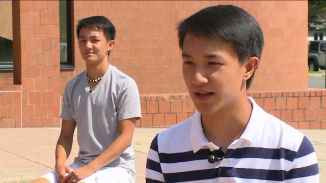 Twin Brothers Share Class Valedictorian Title