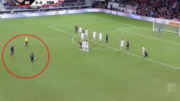 Wayne Rooney scores on absurd free kick
