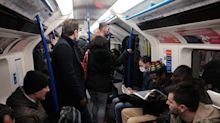 Coronavirus: Commuters criticise London mayor over packed Tubes