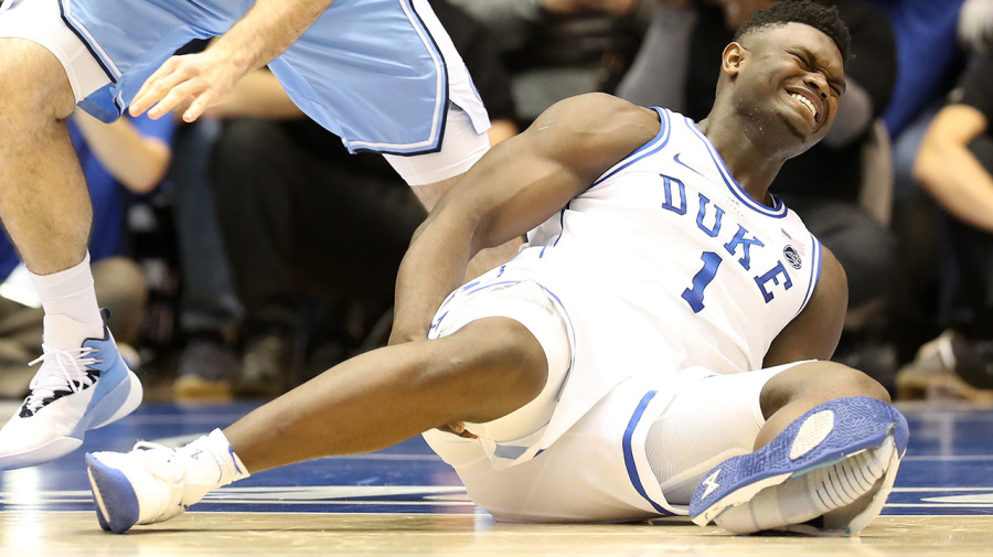 Basketball fans roast Nike after top prospect's shoe blowout