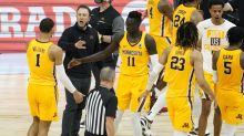Minnesota off hook for buyout of Pitino, now at New Mexico